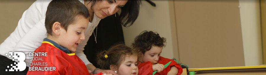 Groupe d'enfants au centre social Charles Béraudier